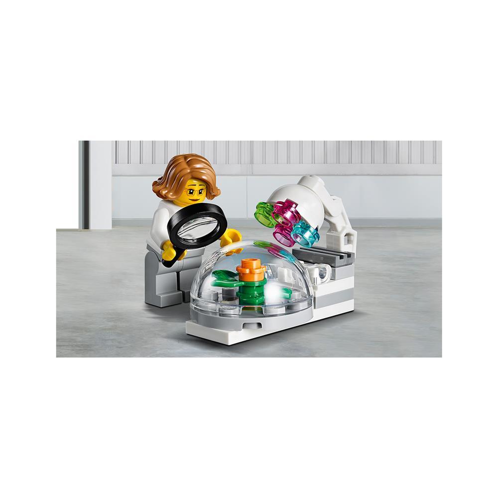 LEGO City Komplet z ljudmi - Raziskovanje in razvoj vesoljske tehnologije 60230