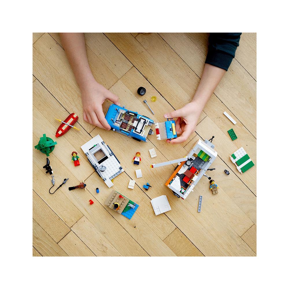 LEGO Creator Družinske počitnice s prikolico 31108