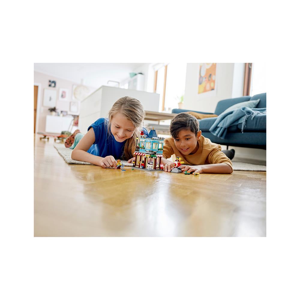 LEGO Creator Trgovina z igračami v mestni hiši 31105